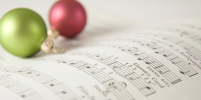 #Listmas2014 – 'Tis The Season: My Top 5 Christmas Songs I Have To Hear Every Holiday Season